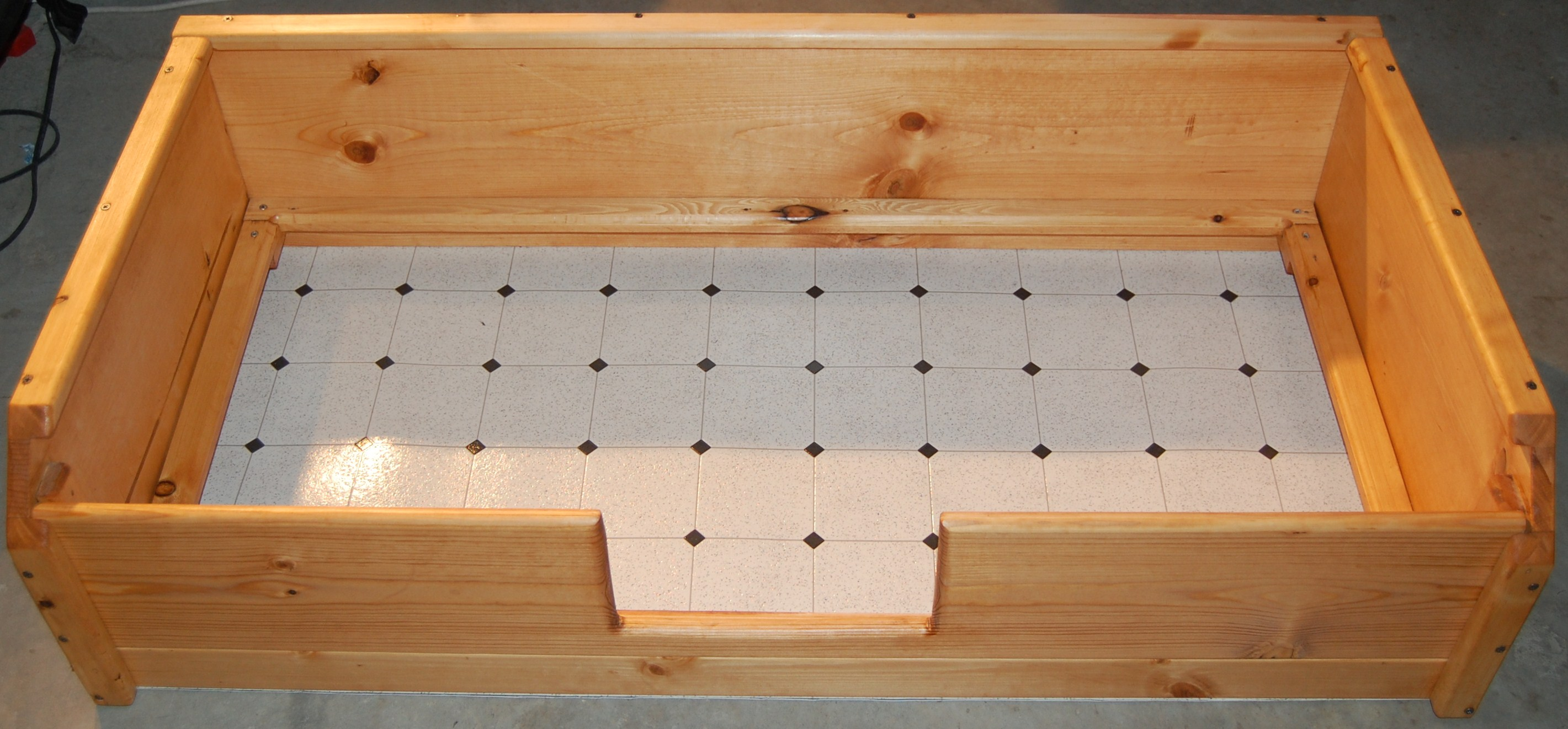 Well, Well, Whelp: Padding and Lining a Whelping Box