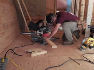 finish-carpentry-miter